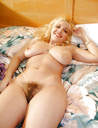 gorgeous hairy ametuer babes