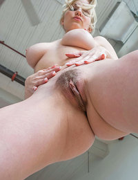 hairy kinky amateur mature babes fisting fetish