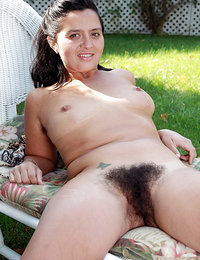 hot sexy pretty babes hairy armpit