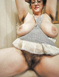 naked hairy pussy retro babes