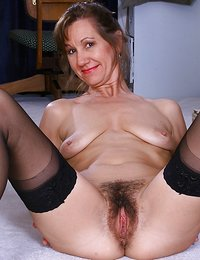 sexy hairy milf babes free videos